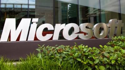 Microsoft xoa dịu nhân viên Nokia bằng... smartphone Nokia