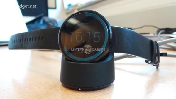 Lộ ảnh đế sạc không dây của Motorola Moto 360
