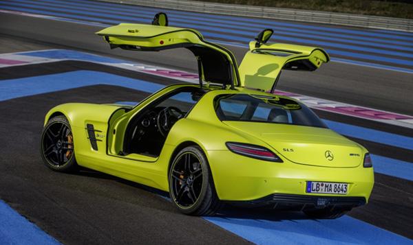 ô tô điện hybrid là gì