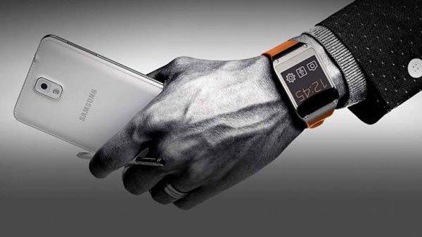 Cũng giống như năm ngoái, thế hệ Galaxy Note năm nay sẽ có một chiếc smartwatch Gear bán kèm.