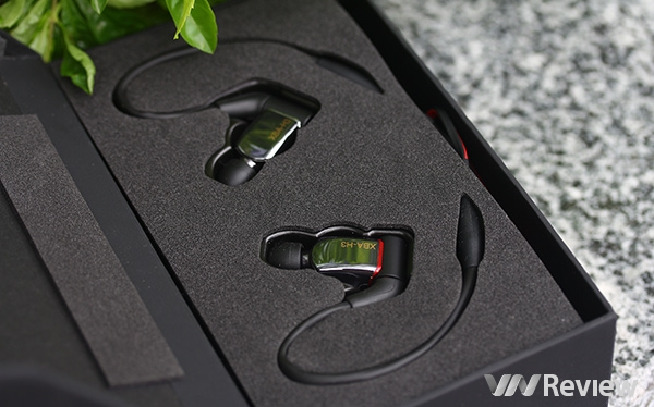 Đánh giá chi tiết tai nghe in-ear Sony XBA-H3