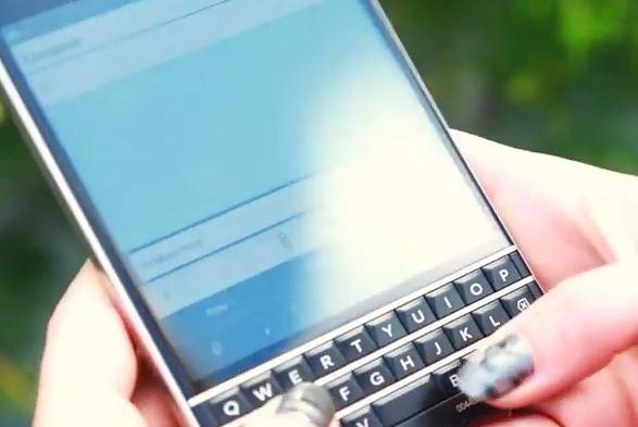 Video trải nghiệm bàn phím thông minh của BlackBerry Passport