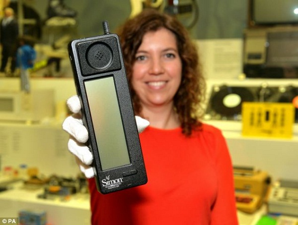 Simon – Chiếc smartphone đầu tiên trên thế giới tròn 20 tuổi