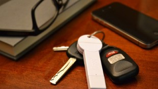 Pin dự phòng nhỏ như chìa khóa