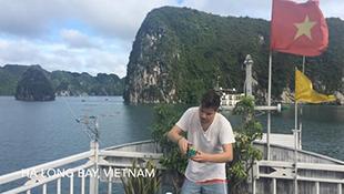 Việt Nam tuyệt đẹp trong clip chơi rubik khắp thế gian