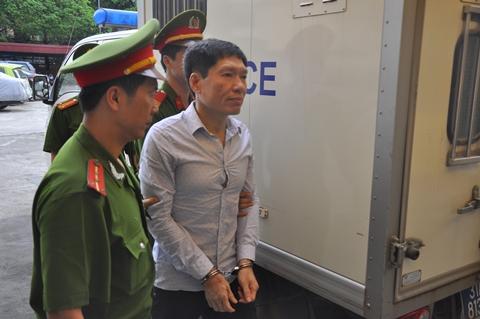 Cựu đại tá Dương Tự Trọng phải về Hải Phòng hầu tòa