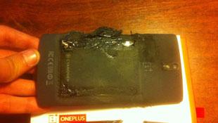 Smartphone OnePlus One bất ngờ phát nổ, gây bỏng nhẹ