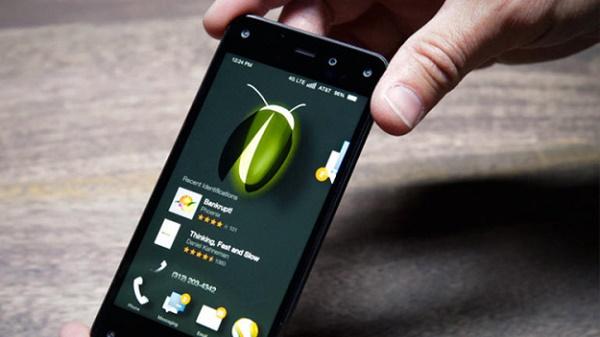 """Nối tiếp chiếc """"Facebook Phone"""" mang tên HTC First, chiếc Fire Phone của Amazon đã chính thức trở thành thảm họa tiếp theo của các ông lớn smartphone với doanh số chỉ hơn 35.000 chiếc."""