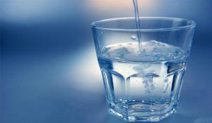 Nước sôi để nguội quá 3 ngày sẽ sinh chất gây ung thư