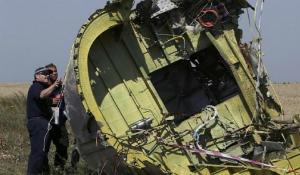 """Kết luận sơ bộ: MH17 có thể bị tên lửa """"đất đối không"""" đâm trúng"""