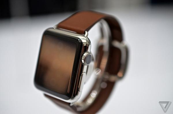 trên tay Apple watch