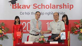 """Bkav trao học bổng """"khủng"""" cho sinh viên công nghệ"""