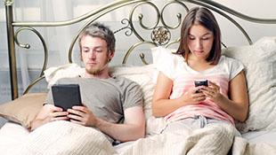 Sạc điện thoại trong phòng ngủ dễ bị béo phì