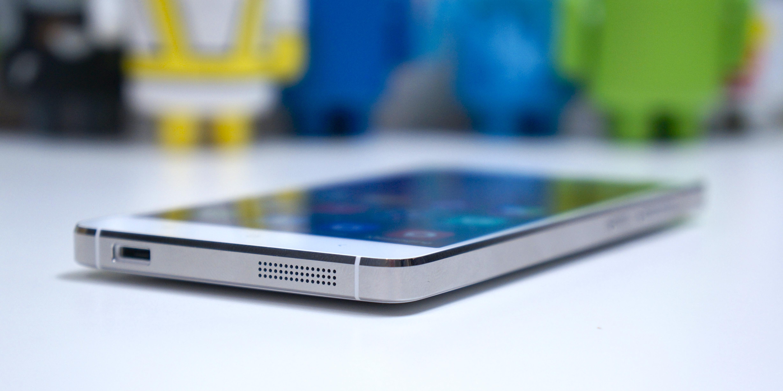 Chủ tịch Xiaomi mời Jony Ive dùng thử hàng nhái