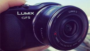 Ảnh Panasonic Lumix GF5 rò rỉ bởi người mẫu quảng cáo