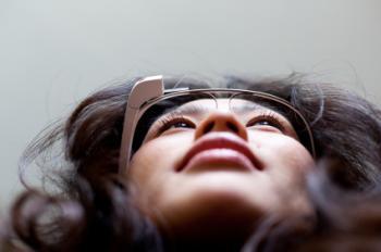 Ca nghiện Google Glass đầu tiên