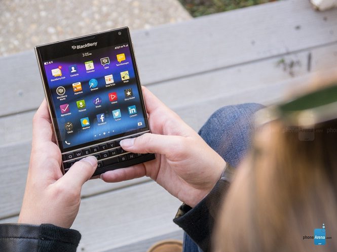John Chen: nhu cầu BlackBerry Passport vượt quá mức mong đợi