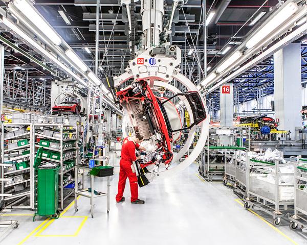 Ford Mondeo 2014: Muộn còn hơn không