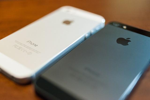 iPhone 5, 5s xách tay liên tục giảm giá