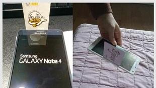 Samsung: Khe hở giữa màn hình và viền kim loại của Galaxy Note 4 là bình thường