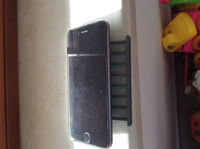Iphone 6 gặp tiếp lỗi màn hình dễ xước - 1