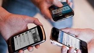 Người Việt chi 12.000 tỉ đồng mua điện thoại di động trong quý III