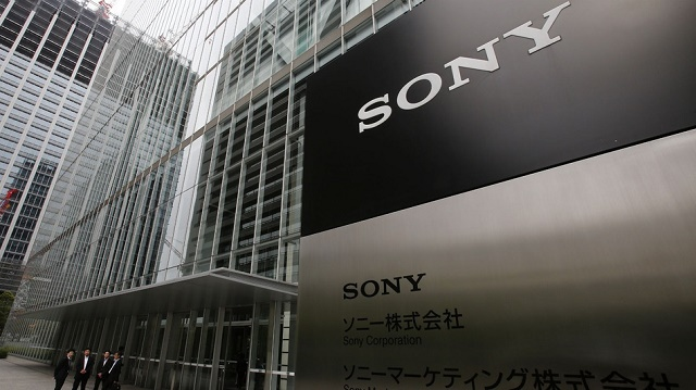 Vụ hack vào máy chủ của Sony Pictures (bộ phận phát hành phim của Sony) tiếp tục trở nên tồi tệ khi hacker rò rỉ 4 bộ phim khá mới của Sony lên các trang chia sẻ file, gây ra thiệt hại khổng lồ về mặt kinh tế.