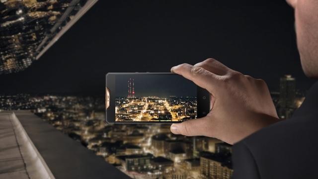 Gresso Regal Black, smartphone Android giá 5000 USD