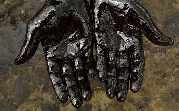 Giá dầu thô Mỹ sụp đổ, âm lần đầu tiên trong lịch sử. Chuyện gì đã xảy ra?