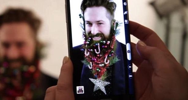 Trang trí râu thành cây thông Noel