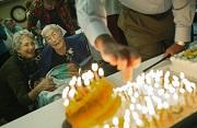 """Cụ bà """"thách thức"""" Facebook đã qua đời ở tuổi 114"""