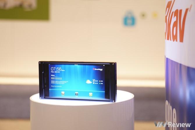 Smartphone Bkav bất ngờ xuất hiện tại CES 2015: Thiết kế đẹp nhất thế giới?