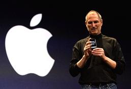 Tròn 8 năm ngày Steve Jobs giới thiệu chiếc iPhone đầu tiên
