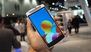 """Oppo dọa kiện smartphone """"nhái"""" Oppo N1 của Polaroid?"""
