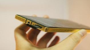 Lumia 930 mạ vàng 24K ra mắt ở Việt Nam, giá 18 triệu đồng