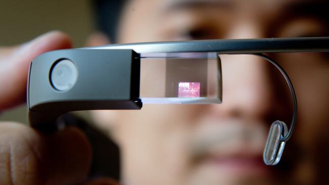 """Sếp Apple: Google Glass dành cho người """"không bình thường"""""""