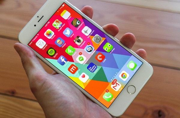 iPhone cũng chứa mã độc nghe lén?