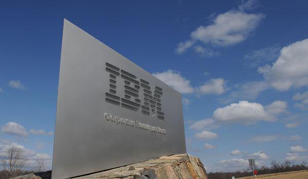IBM phủ nhận tin đồn sa thải 100.000 nhân viên