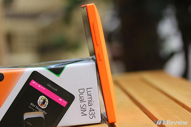 Mở hộp Lumia 435: thay thế cho điện thoại cơ bản