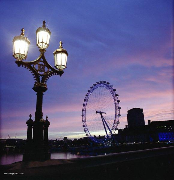 11 bí kịp chụp ảnh thành phố lúc bình minh