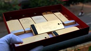 Cận cảnh Nokia 515 mạ vàng tại Việt Nam