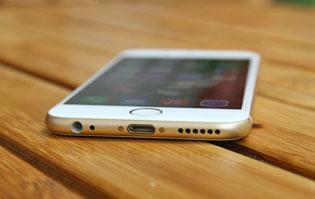 Giá iPhone xách tay ở VN có thể rẻ hơn nhờ chính sách mới của Mỹ