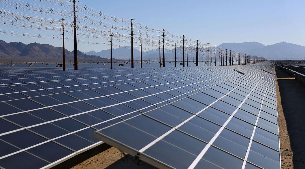 Mỹ mở nhà máy điện năng lượng mặt trời lớn nhất thế giới