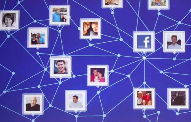Facebook đã trả cho Laxman Muthiyah, một nhà nghiên cứu bảo mật, 12.500 USD sau khi anh này phát hiện ra lỗ hổng bảo mật cho phép anh ta xóa hình ảnh hoặc album ảnh của bất cứ ai trên Facebook mà không cần sự cho phép của họ.