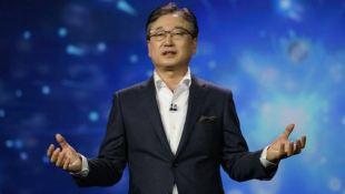 """Samsung quyết """"cản đường"""" xe hơi chạy điện của Apple?"""