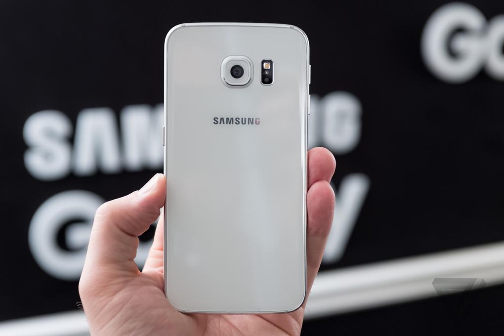 mặt lưng Samsung Galaxy S6