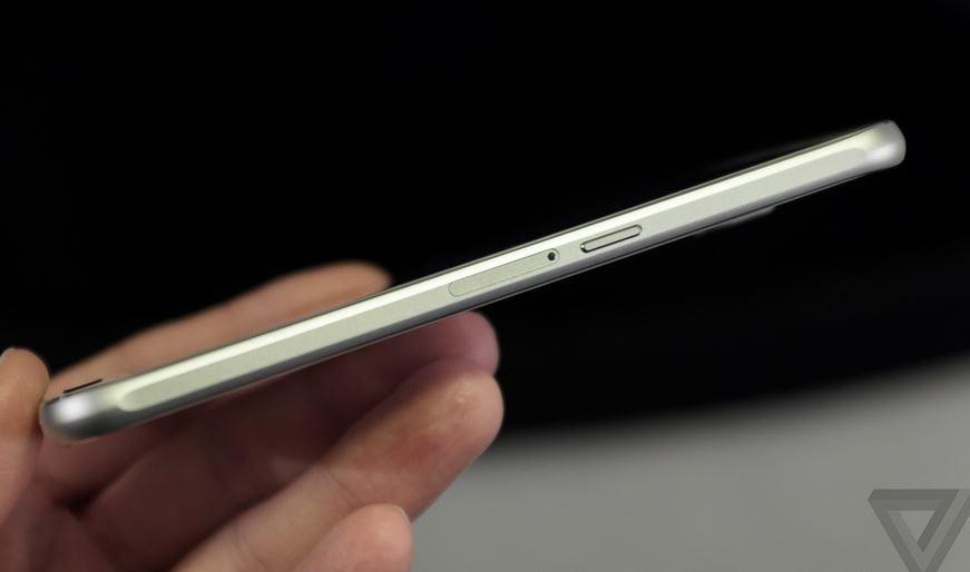 khe SIM của Samsung Galaxy S6