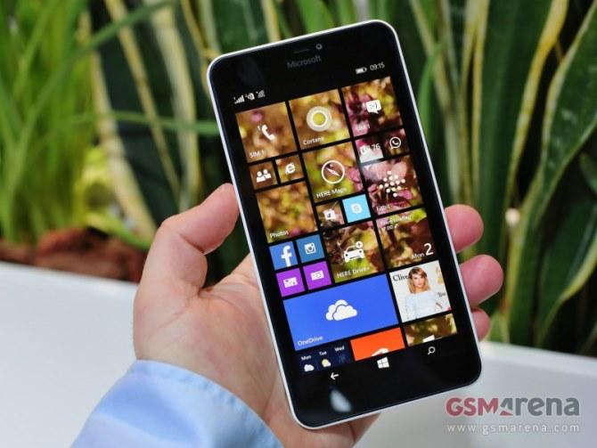 Trong khuôn khổ sự kiện MWC đang diễn ra tại Barcelona, Tây Ban Nha, Microsoft đã tiếp tục tấn công vào thị trường giá rẻ. 2 chiếc Lumia 640 và 640XL là minh chứng cho thấy gã khổng lồ phần mềm hoàn toàn có thể chiếm lại thị trường đã từng được Nokia làm chủ.