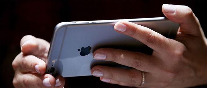 Apple chính thức đá Samsung khỏi ngôi vương smartphone