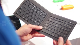 Loạt ảnh cận cảnh bàn phím có thể gập lại của Microsoft